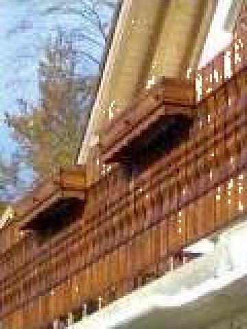 Balustri lemn de la S.c. Euro Holz Metal S.r.l