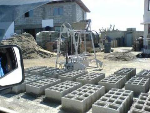 Boltari ciment de la Madirom Intimoda S.R.L