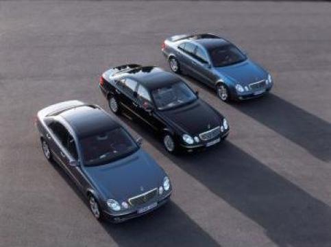 Inchirieri limuzine Mercedes cu sofer de la Limousine Transport Services Srl