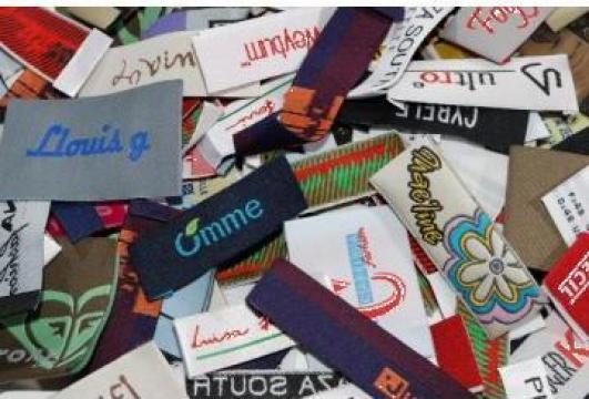 Etichete textile tesute