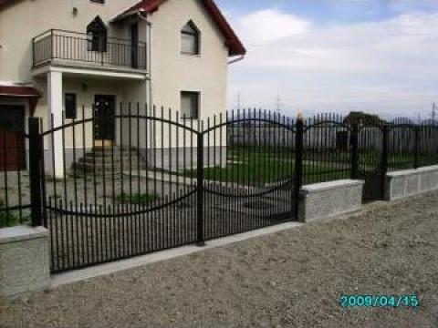 Porti, garduri din fier forjat, profile metalice si de lemn de la Gartenbau S.r.l.