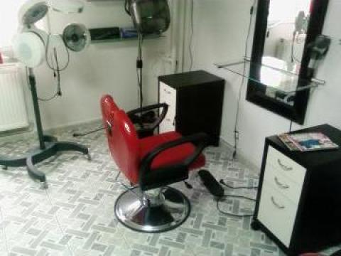 Mobilier si accesorii salon coafura de la Esandor Srl