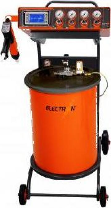 Instalatie de vopsire cu pulberi in camp electrostatic de la Lupair& Electron Hungary Kft.