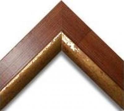 Profil din lemn cu auriu