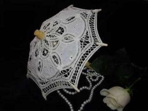 Umbreluta din dantela