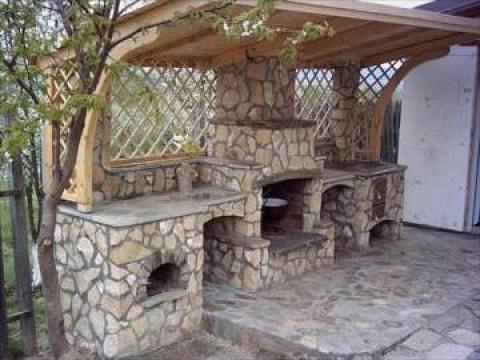 Barbeque (gratar traditional, semineu) de la Valentin Construct Company