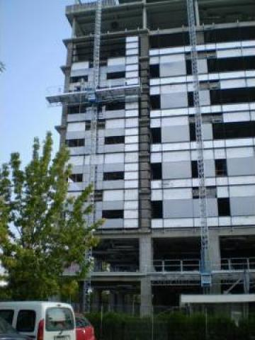 Inchiriere schele metalice pentru reabilitari termice de la Azzurra Piattaforme