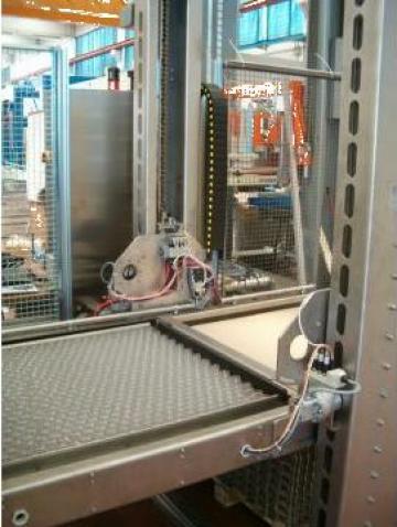 Depaletizator semiautomat de la Damar Trading Srl.