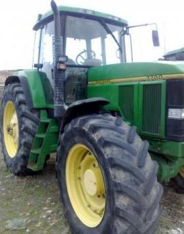 Tractor agricol John Deere 7700 de la Anaoil Srl