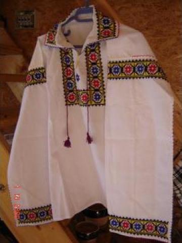 Camasa si fusta barbat din zona Moldova