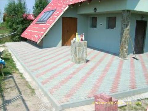 Amenajari exterioare pavaje borduri terase granit for Amenajari piscine exterioare