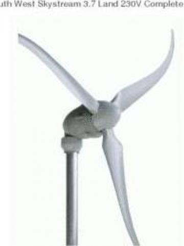 Sistem eolian energie electrica casa de vacanta sau stana de la Ecovolt