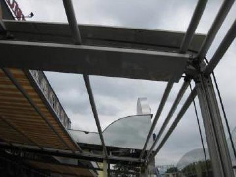 Ferestre si usi din PVC, cu geam termopan de la Rollux Construct