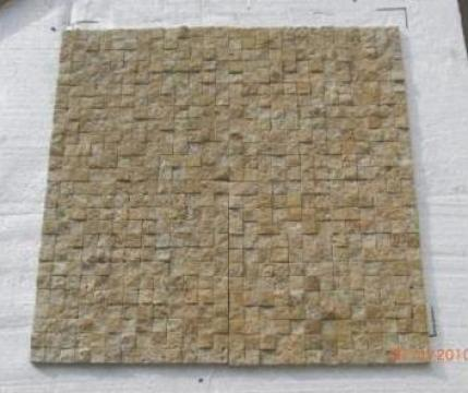 Mozaic Travertin Classic Tumbled Split Face 1x2.3x2.3 cm de la Geo & Vlad Com Srl