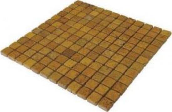 Mozaic Travertin Yellow Tumbled 1x2.3x2.3 cm de la Geo & Vlad Com Srl