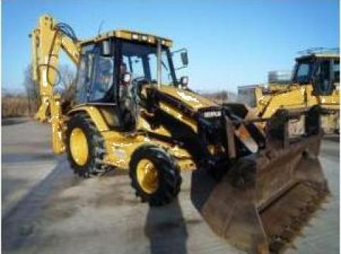 Inchirieri buldoexcavator CAT 428 4x4 de la Cristian Construct 2005 Srl