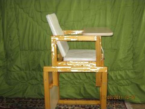 Scaun servit masa pentru copii