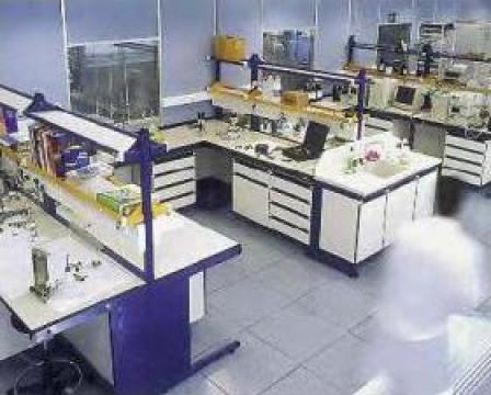 Masa laborator TRDX120 de la Radoxlab Grup Romania