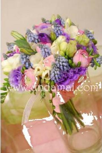 Buchet Din Flori De Primavara Roz Alb Lila Mov Bucuresti 2