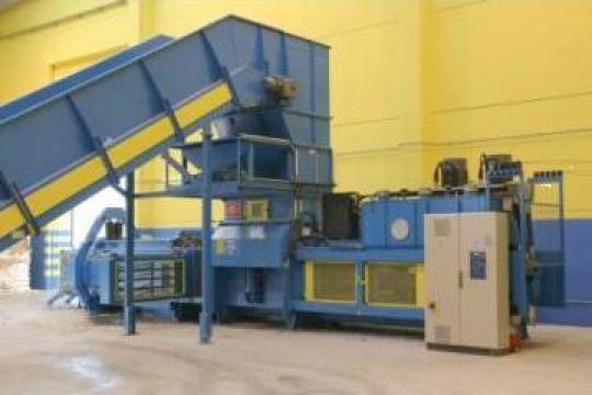 Prese canal cu legare automata de la Sc Schuster Recycling Technology Srl