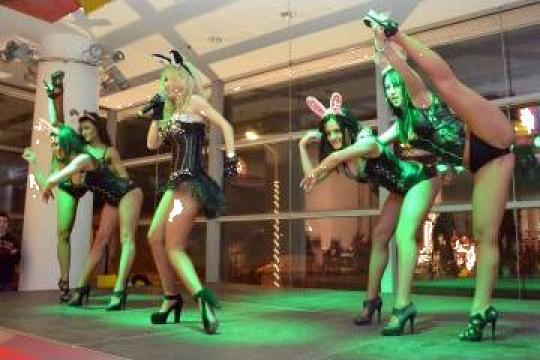 Scena Sunet Lumini Global Stage in Galleria Mall Suceava