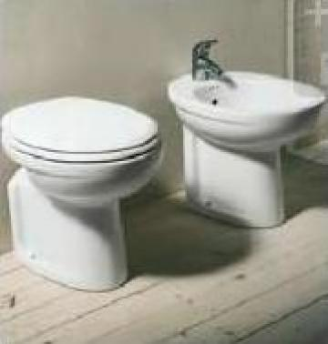 Vas toaleta Erika de la Omnitech Trading