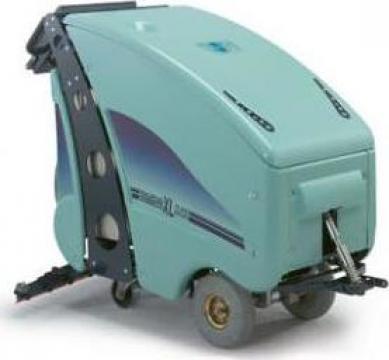 Aparat industrial de spalat aspirat pardoseli de la Tehnic Clean System