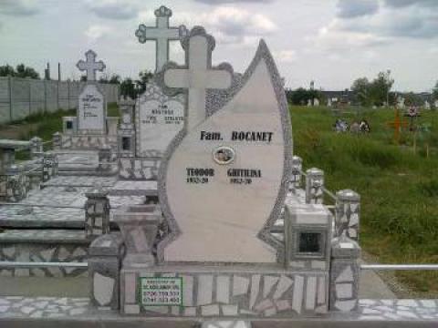 Pietre funerare