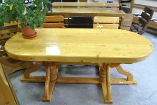 Masa din lemn masiv de brad, cu picioarele strunjite de la Mobital M Company S.R.L.