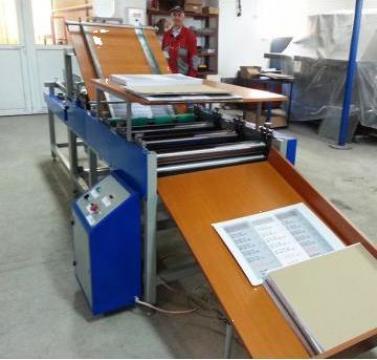 Masina de caserat semiautomata de la Kronstadt Papier Technik S.a.