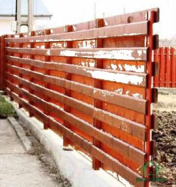 Gard din lemn