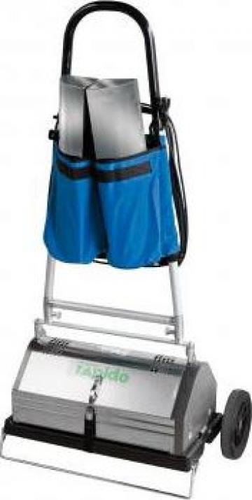 Masina pentru curatarea cu uscat a mochetelor RapidoMat Pro
