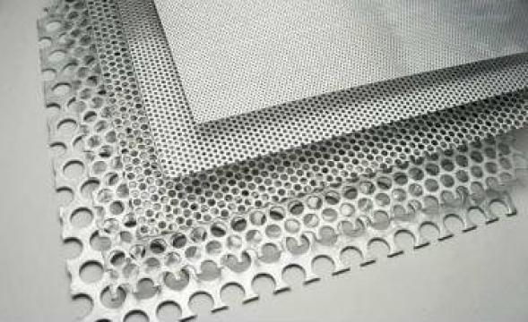 Tabla perforata de la Metal DM Automotive Srl