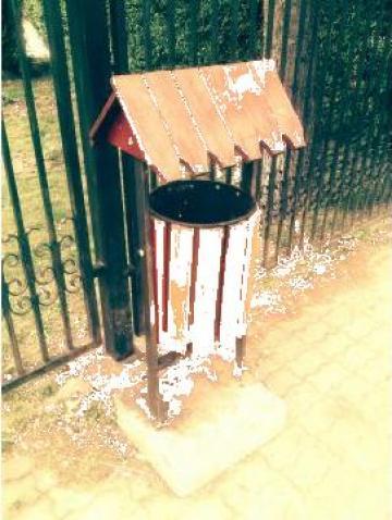 Cos gunoi stradal acoperit de la Urban Biaplus AVR Srl