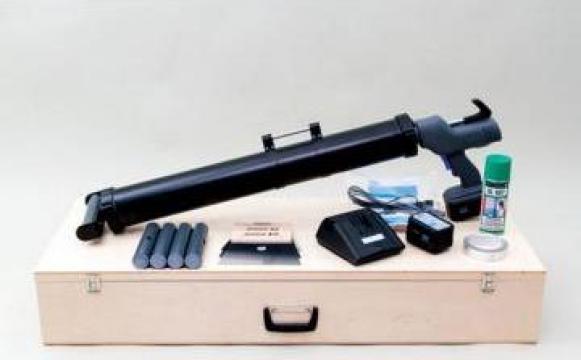 Aplicator adeziv pentru pardoseli din lemn Uzin ATD 100