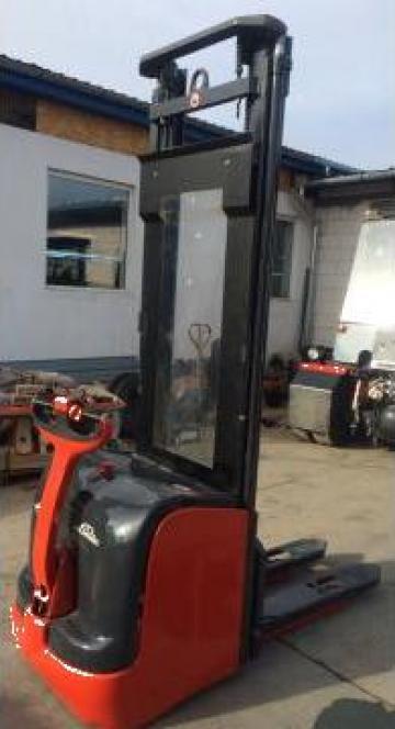 Transpaleti electrici cu ridicare Stackere de la Store Logistic