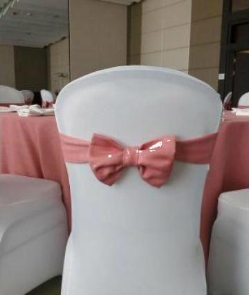 Funda roz pentru scaun eveniment de la Trendevents