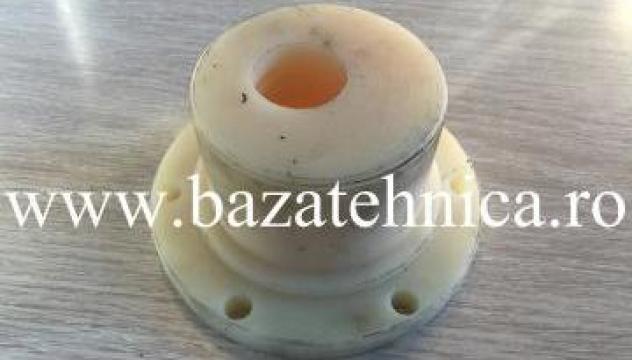 Bucsa excentrica din poliamida masina industriala de tocat de la Baza Tehnica Alfa Srl