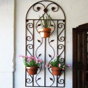 Suport pentru ghivece de flori din fier forjat de la Stefiart Design Srl