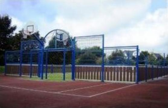 Structuri metalice si echipamente pentru terenuri de sport