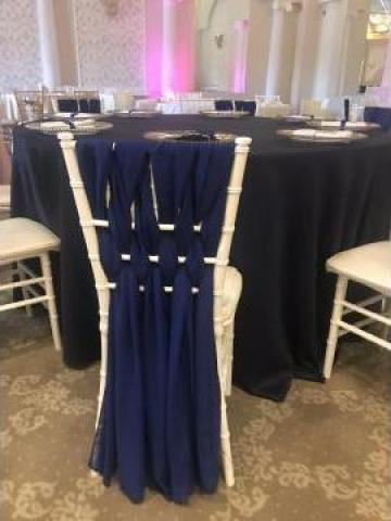 Inchiriere voaluri albastre scaune chiavari de la Trendevents