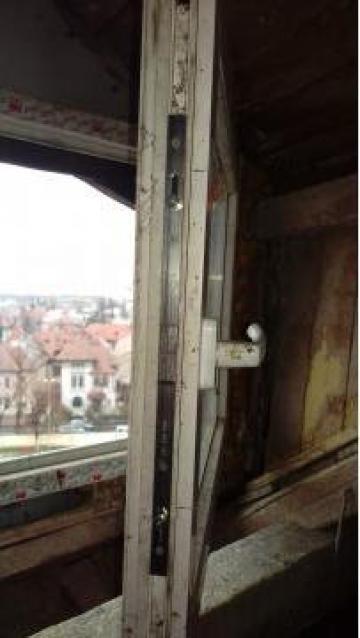 Reparatie ferestre termopan de la Es Punct Es Srl