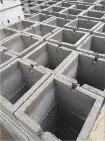 Boltari din beton pentru stalpi25x20x25 de la Gurgui Jugariu George Pfa