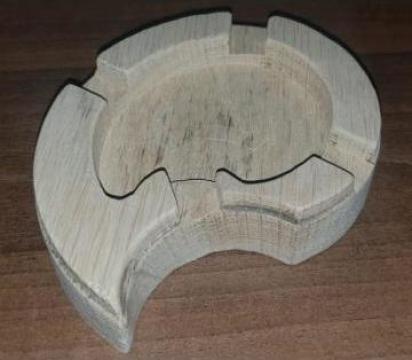 Scrumiera lemn stejar – floare de la Hexi Center Srl