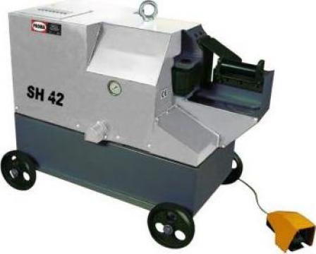 Masini de debitat otel beton cu actionare hidraulica SH42 de la Proma Machinery Srl.