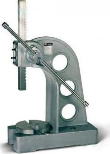 Presa manuala cu dorn pentru mandrina AP-5 de la Proma Machinery Srl.