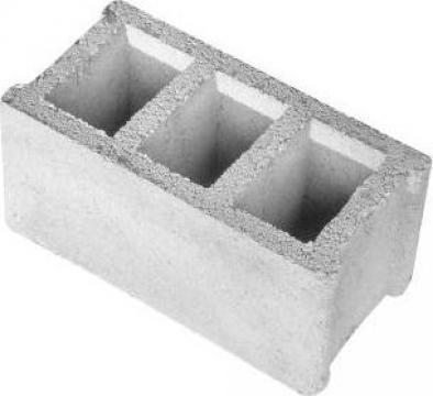 Boltari din beton de la Salbero S.r.l.