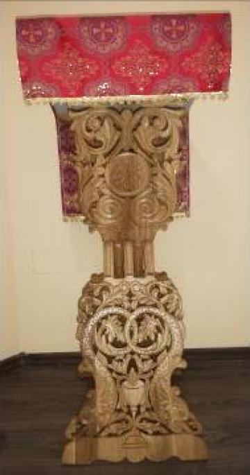 Analog sculptat in lemn de stejar
