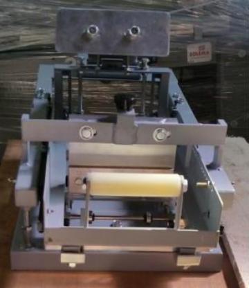 Masina de serigrafie manuala pentru suprafete curbe de la Kronstadt Papier Technik Sa