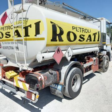 Camion cisterna combustibil Iveco Eurocargo de la Piciafuoco Srl